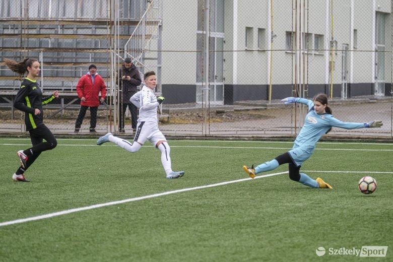 Két gól és három pont a sereghajtó otthonában
