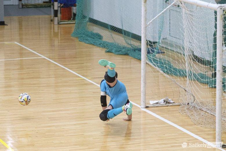 Hazai futsalbajnoki, röplabda és tenisz a vb-selejtezők előtt – keddi sportprogram