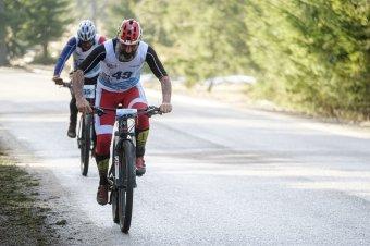 Szaladtak, bringáztak, sífutottak – ilyen volt a hargitafürdői téli triatlon