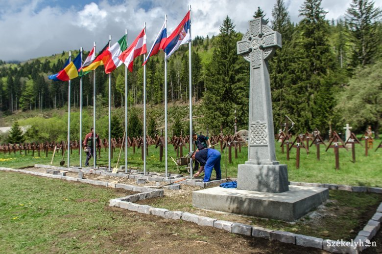 Csíkszentmártoné a katonatemető, az úzvölgyi sírkertben nincs hatásköre Dormánfalvának