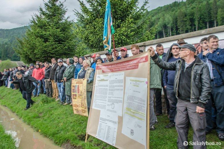 Magyar politikusok felelősségét vizsgálják az úzvölgyi incidens kapcsán