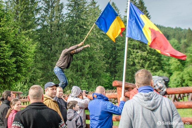 A bíróságon és az ombudsmannál folytatódhat az eljárás az úzvölgyi temetőgyalázás ügyében