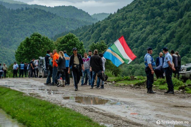 Tiltakozó jegyzéket adott át a magyar kormány