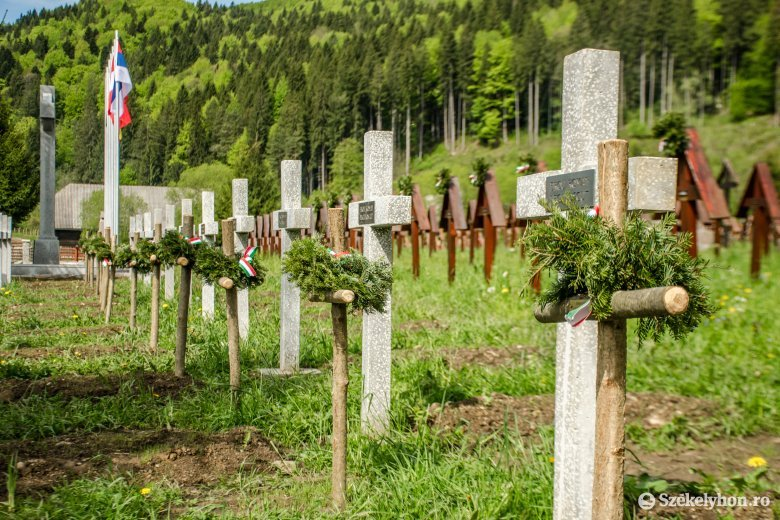 Közös imára hívnak – megemlékező rendezvény az úzvölgyi katonai temetőben