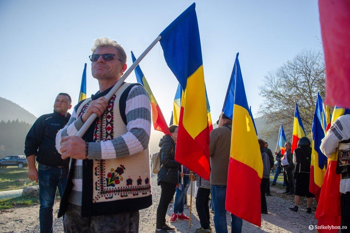 https://media.szekelyhon.ro/pictures/csik/uzvolgye/o_uzvolgy_romanok_belo-2.jpg