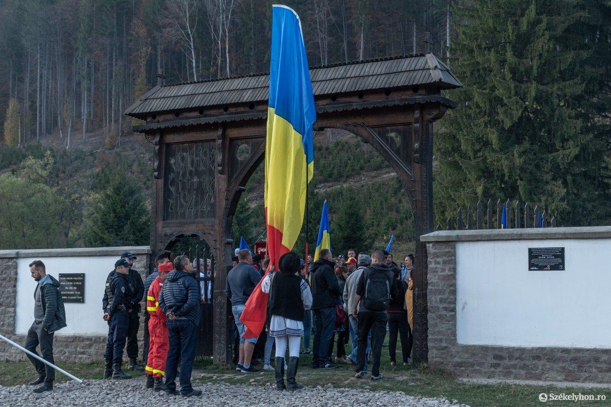 https://media.szekelyhon.ro/pictures/csik/uzvolgye/o_uzvolgyi-romanhadseregnapja-pnt-25.jpg
