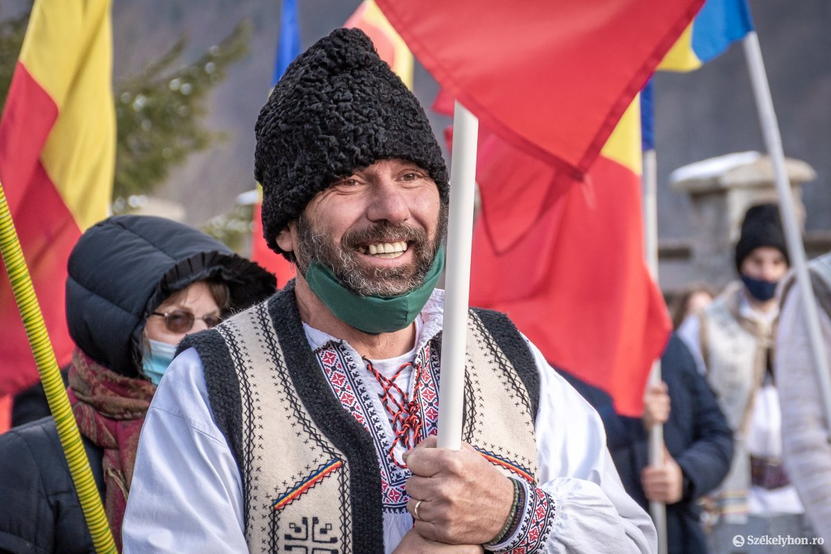 https://media.szekelyhon.ro/pictures/csik/uzvolgye/o_uzvolgyi-romanunnepseg-dec1-pnt-11.jpg