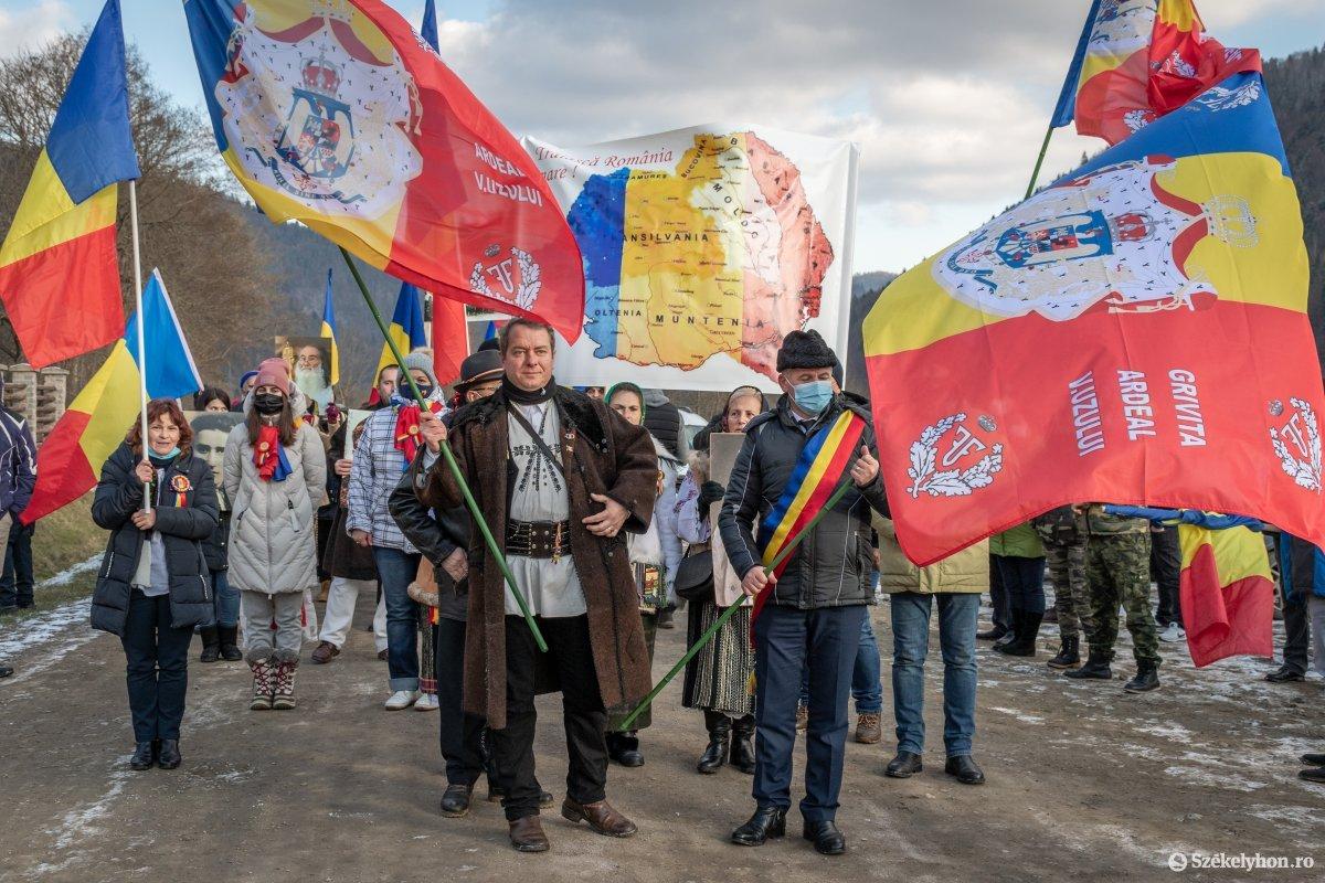 https://media.szekelyhon.ro/pictures/csik/uzvolgye/o_uzvolgyi-romanunnepseg-dec1-pnt-16.jpg
