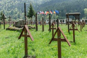 Ökumenikus istentiszteletet tartanak vasárnap az úzvölgyi haditemetőben