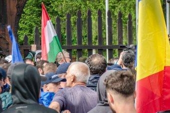 """Nem uszítás a """"Kifelé a magyarokkal az országból!"""" rigmus?! – Kivizsgálást kér egy román jogvédő szervezet"""