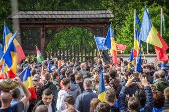 A moinești-i ügyészség továbbra sem lát bűncselekményt az erőszakos úzvölgyi temetőfoglalásban