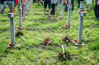 Ceaușescu parancsát teljesítik az úzvölgyi temető elrománosításával?