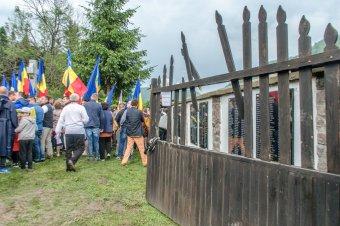 Sem Csíkszentmárton, sem Dormánfalva? A kormányfő a védelmi minisztérium kezelésébe adná az úzvölgyi katonatemetőt