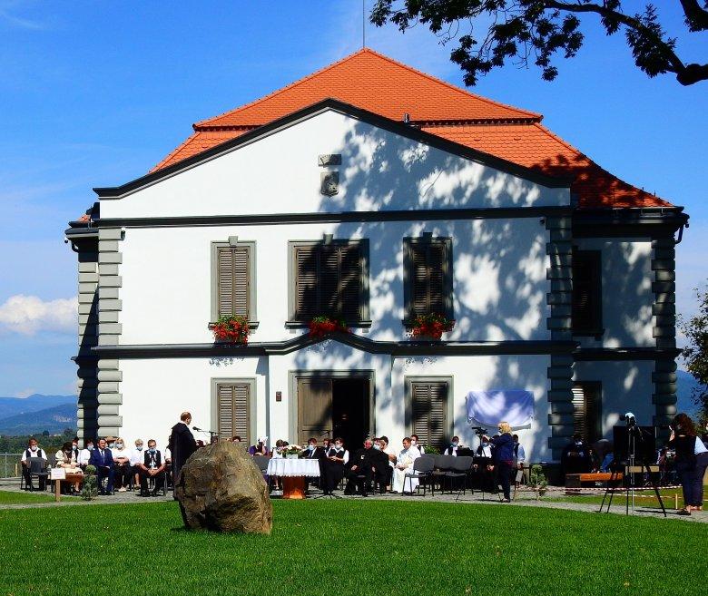 """A """"vad gróf"""", Petőfi egyetlen arisztokrata barátja – kétszáz éve született Teleki Sándor, a koltói kastély egykori tulajdonosa"""