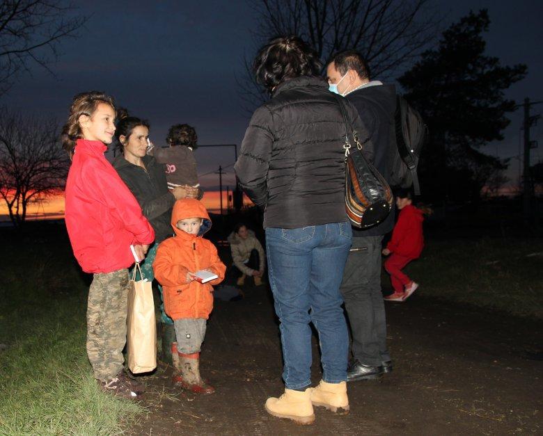Karácsonyi csomagok nehéz sorsú gyerekeknek –Máramarosi és Maros megyei szórványkollégiumokban jártunk