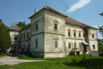 A pusztuló Bethlen-várkastély – a 17. században épült bethlenszentmiklósi uradalom az egyik legszebb erdélyi építészeti örökség