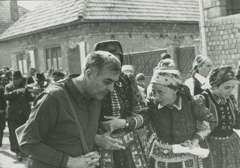 Portréfelvétel Kallós Zoltánról – beszélgetés Csinta Samuval a Kallós-fotógyűjteményről