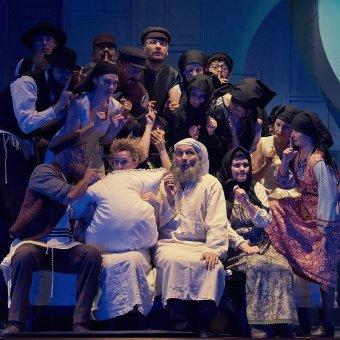Mit keres a hegedűs a háztetőn? – Sheldon Harnick-Jerry Bock-Joseph Stein musicaljének bemutatója Kolozsváron