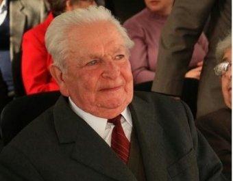 Egy élet a magyar nyelv szolgálatában – korunk egyik legjelentősebb nyelvésze, Murádin László 90 éves
