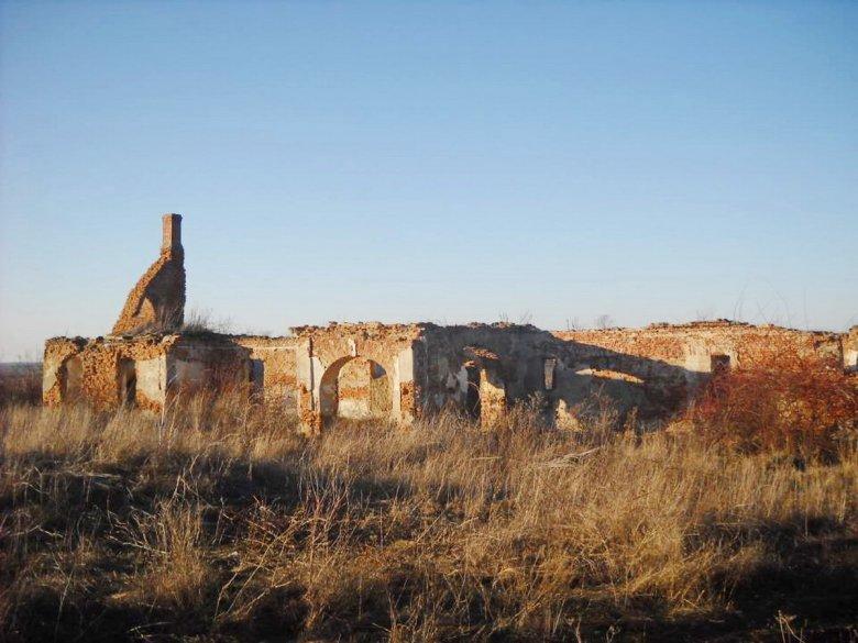 Egy Fráter-hagyaték kálváriája a Bihar megyei Asszonyvásárán: széthordják az épített örökséget
