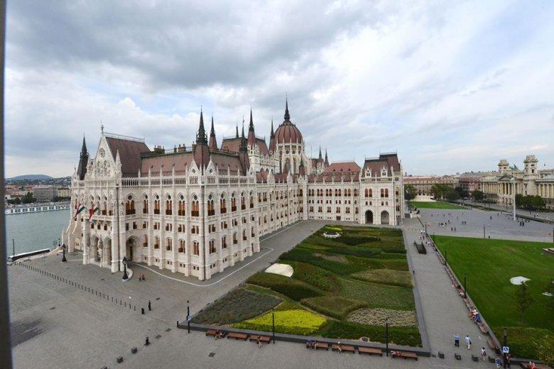 Földrengéstől a védelmező magyar bástyáig