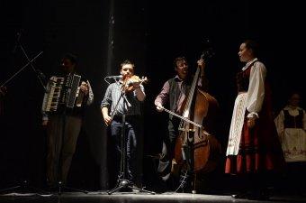 Élményforrás az együtt muzsikálás öröme a Kedves zenekarban