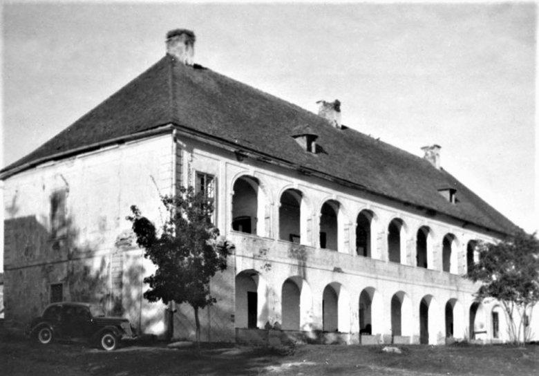 A sorsára hagyott mezőörményesi barokk kastély – a műemléképületet legutóbb a Magyar Autonóm Tartomány idején akarták felújítani
