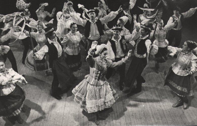 A kincses sziget őrzője – potré a táncos, koreográfus, népi szobrász Erdélyi Tiborról