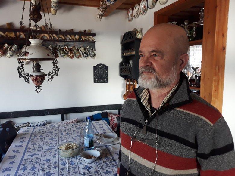 Vissza Erdélybe, immár a műtárgyak számára is – saját néprajzi múzeumot készül nyitni egy marosvásárhelyi orvosházaspár