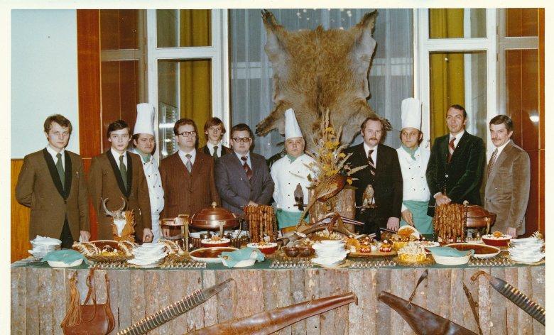 Királyoknak és államfőknek szolgált fel – a Gundel egykori étteremfőnöke, Sághy Péter emlékezik a kommunista elit szokásaira