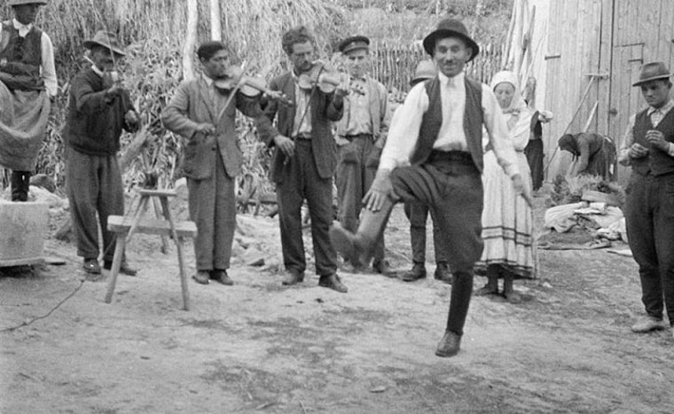 Férfiasan, anyák napja után – férfitáncokról a Kossuth Rádióban