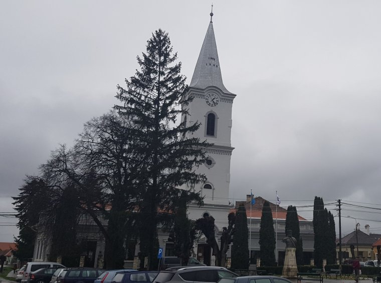 Bukarestben kilőnék a Napot és a Holdat – bürokrácia és rosszindulat gáncsolja az erdélyi településcímerek törvényesítését