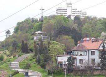 Az örök és megszépülő Fellegvár – felújítják a kolozsváriak kedvenc kilátóhelyét