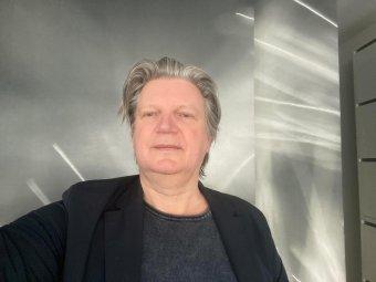 Világszerte luxusüzleteket, lakóházakat tervez – beszélgetés Kun Adalbert erdélyi származású, Németországban élő formatervezővel