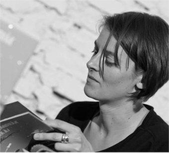 Sokan hiszik azt, hogy az írás úri hobbi – beszélgetés Márton Evelin íróval, a Helikon irodalmi folyóirat szerkesztőjével