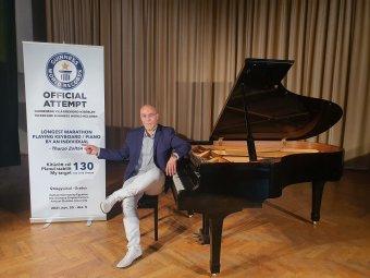 Zenei elhivatottságú Guinness-rekordkísérlet – Thurzó Zoltán nagyváradi zongoraművész 130 órás zongorajáték-maratont tervez