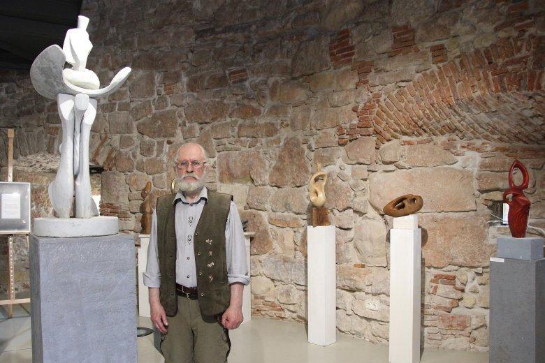 Szobrászszemmel a nap mindig világít – Kun Árpád György kolozsvári szobrászművész sajátos absztrakt alkotásairól