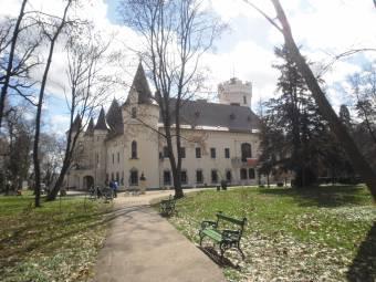 Erdélyben is átértékelődik a parkgondozás – a régió egyik legszebb szabadidő-oázisa a nagykárolyi kastélypark