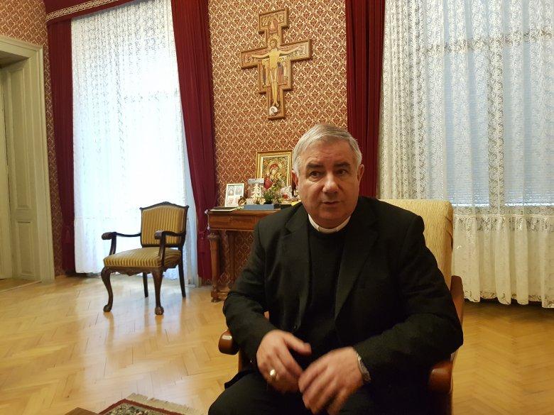 Áhítattal a Szűzanyához: Pál József Csaba temesvári megyés püspök prédikál a pünkösdi búcsún