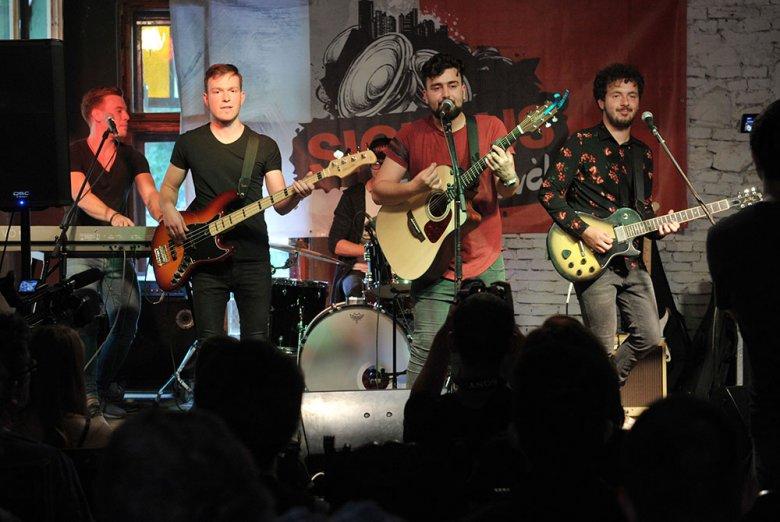 Mikulás-koncertet ad a 4S Street