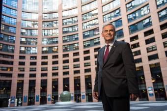 Tőkés László európai védelmet kért a romániai magyar orvosképzésnek Brüsszelben