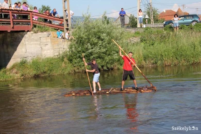 Gyergyóremetei falunapok: figyelnek a vízre