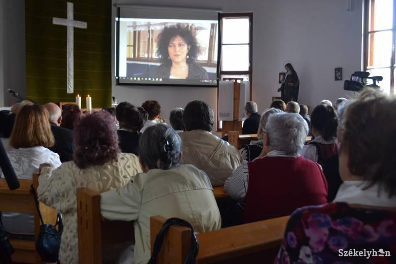 Szent Erzsébet-hetet tartanak a gyergyószentmiklósi öregotthonban