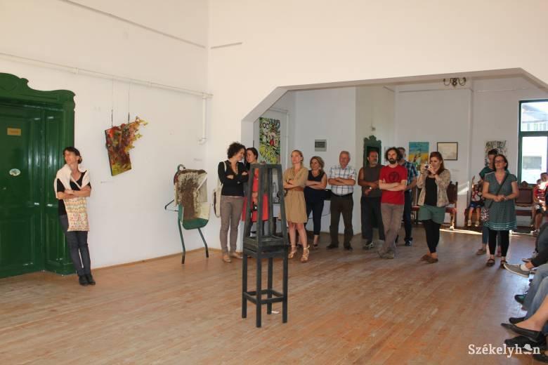 Kiállítás nyílt Rejtő Jenő emlékére Gyergyószárhegyen