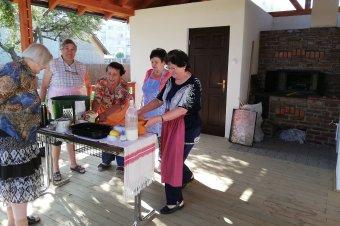 Galambast sütöttek, így próbálták ki a kemencét</h2>