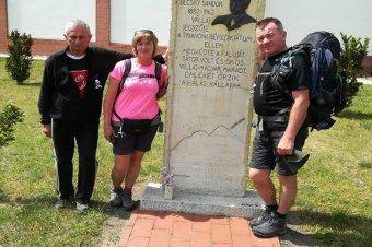 Akik több száz kilométert tesznek meg gyalog Csíksomlyóig