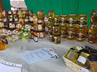"""A tavalyinál is """"keserűbb"""" évet zárnak a méhészek – a szakemberek 15-20 százalékkal kevesebb mézre számítanak idén"""