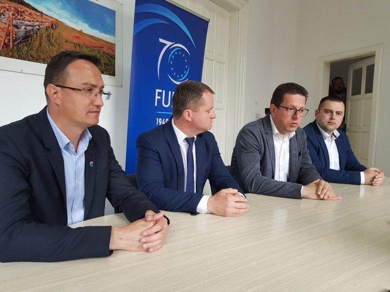 Az EP-választás nem pártpolitikai kérdés