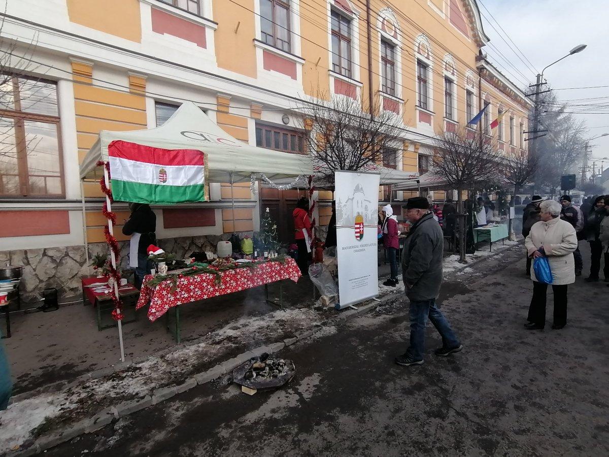 https://media.szekelyhon.ro/pictures/gyergyo/aktualis/2019/o_disznotoros_fesztival-11-.jpg