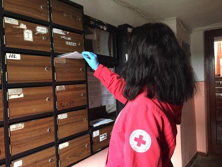 Célba ért az első száz maszk, a többi megvarrásához önkénteseket toboroznak